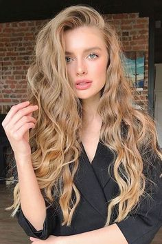 58 Chic Curly Hairstyles For Women 2019 short curly hairstyles, bob curly hairstyles, long curly hairstyles, curly hair styles naturally Curly Hair Styles, Short Curly Hair, Natural Hair Styles, Curly Ponytail, Honey Blonde Hair, Blonde Curly Hair Natural, Natural Blonde Color, Beautiful Blonde Hair, Dyed Hair