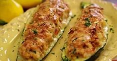 Zucchini proves a cook's creativity and resourcefulness. For some reason, this vegetable, more than anything else in the garden, starts … Zucchini Boat Recipes, Zucchini Boats, Stuffed Zucchini, Diet Recipes, Vegetarian Recipes, Cooking Recipes, Good Food, Yummy Food, Recipes