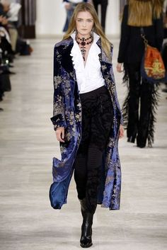 Ralph Lauren, fall 2016 *Ready-to-Wear. - Outfits for Work - Ralph Lauren, fall 2016 *Ready-to-Wear. New York Fashion, Fashion Week, Look Fashion, Runway Fashion, High Fashion, Winter Fashion, Fashion Show, Fashion Outfits, Fashion Design