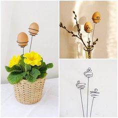 Oeuf support fil de fer  zápich pro vajíčko trojlístek Originální drátovaný zápich s trojlístkem:o) Zápich je určený pro Vaše velikonoční vajíčkai barevnékraslice. Zápich můžete zapíchnout do květináče s jarními květinami nebo do vázy s jarními proutky např. kočiček, zlatého deště, zelených lístků, apod. Vaší fantazii se meze nekladou. A můžete si tak naprostojednoduše ...: Easter Crafts, Holiday Crafts, Easter Decor, C2c, Egg Shells, Decor Crafts, Embellishments, Planter Pots, Eggs