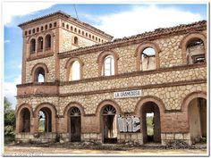 Decay Art and Urbex: Estacion abandonada de ffcc La Gramedosa (Cuenca - España)