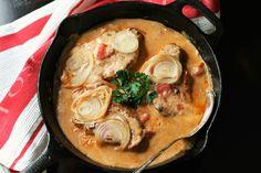 Baked Pork Chops in Mushroom Sauce Pork Chop Recipes, Meat Recipes, Cooking Recipes, Mushroom Pork Chops, Mushroom Sauce, Baked Pork Chops, Pork Loin, Pork Ham, Bon Appetit