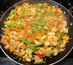 Easy Shrimp Stir Fry Recipe With Frozen Vegetables - 1 package lb) frozen shrimp 1 package lb) frozen vegetables (stir-fry mix) 1 tbsp oil 2 tbsp soy sauce 4 garlic cloves, minced tsp pepper Stir Fry Frozen Vegetables, Frozen Vegetable Recipes, Frozen Shrimp Recipes, Shrimp And Vegetables, Veggie Stir Fry, Fried Vegetables, Scampi, Seafood Dishes, Seafood Recipes
