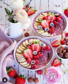 Colorful Food, Food Coloring, Macarons, Acai Bowl, Panna Cotta, Breakfast, Cake, Ethnic Recipes, Log Projects
