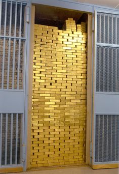 The Federal Reserve Bank: the Gold Vault contains 540,000 gold bars! #gold