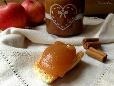 La composta di mele alla cannella è una confettura a base di mele con un'alta percentuale di frutta e poco zucchero resa assolutamente fantastica dall'aggiunta di cannella in polvere
