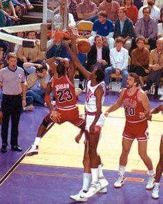 Michael Jordan dunk (1987)