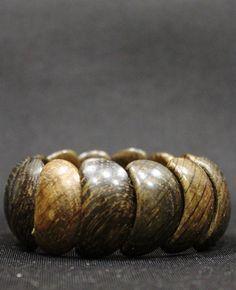 Женский браслет коричневого цвета вбр581