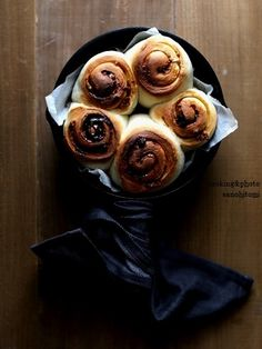 スキレットで!シナモンロールのレシピ |管理栄養士・フードコーディネーター 佐野ひとみ|食卓の「 彩・食・健・美」