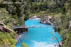 Swing bridge at Hokitika Gorge in New Zealand
