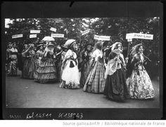 19-6-1911, suffragettes à Londres. Cosplay de leurs héroïnes suffragettes du XIXe ?
