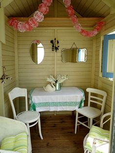 found and sewn Allotment Shed, Greenhouse Shed, She Shed Decorating Ideas, Shed Interior, Interior Design, Storage Shed Organization, Pool Shed, Shed Makeover, Woman Cave