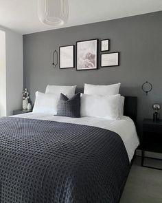 Grey Bedroom Colors, Black And Grey Bedroom, Gray Bedroom Walls, Feature Wall Bedroom, Grey Bedroom Decor, Bedroom Setup, Room Design Bedroom, Grey Room, Bedroom Color Schemes