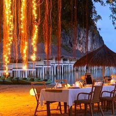 Time for a dreamy dinner. Beautiful Beach Pictures, Beautiful Beaches, Destin Beach, Beach Trip, The Places Youll Go, Places To Visit, Walk Around The World, Palawan Island, Great Vacations