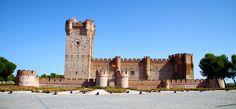 Castillo_de_la_mota_por_chefo.jpg (5112×2370)  Замок Ла-Мота, где был заключён Чезаре Борджа