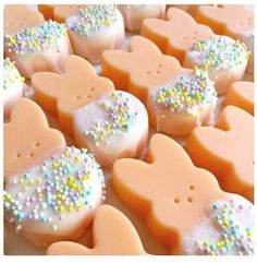 Aren't these absolutely adorable ? These cuties were made using our carrot cake fragrance oil by Athena at: https://www.facebook.com/thefakerybakerywax/