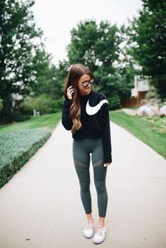 40 Trendy Workout Outfits, Gym Outfits and Yoga Outfits Ideas for Women - Fitness Inspiration - Yoga Outfits, Fitness Outfits, Cute Workout Outfits, Workout Attire, Sport Outfits, Cute Outfits, Stylish Outfits, Athletic Fashion, Athletic Outfits
