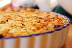 Looking for amazing quiche recipes? These top 10 quiche recipes are perfect for breakfast, lunch or dinner. Ham Quiche, Quiche Dish, Keto Quiche, Cheese Quiche, Healthy Quiche, Cheddar Cheese, Bacon No Forno, Vegetable Quiche, Healthy Christmas Recipes