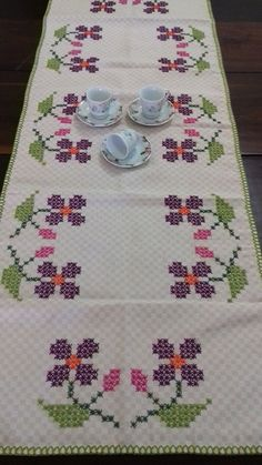1 million+ Stunning Free Images to Use Anywhere Tambour Embroidery, Cross Stitch Embroidery, Cross Stitch Designs, Cross Stitch Patterns, Alice In Wonderland Cross Stitch, Palestinian Embroidery, Free To Use Images, Chicken Scratch, Bargello