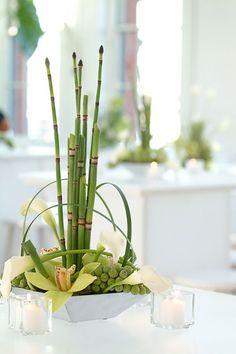Ikebana Zen Style Flower Arrangement Workshop - Adventure-us (Los Angeles, CA) Asian Flowers, Oriental Flowers, Japanese Flowers, Green Flowers, Ikebana Flower Arrangement, Modern Flower Arrangements, Wedding Arrangements, Zen Style, Deco Floral