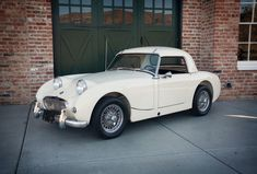 This 1959 Austin Healey Bugeye Sprite was restored in 2004 as a Sebring inspired build with a 1275cc engine and twin SU carburetors. The car carries chassis number ANSL20001, which indicates that it is the first Sprite produced for the '59 model year.