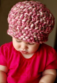 """Strawberry Beret"" crochet pattern for chunky yarn Crochet Kids Hats, Crochet Crafts, Free Crochet, Knitted Hats, Knit Crochet, Chunky Crochet, Chunky Yarn, Crochet Beanie, Single Crochet"