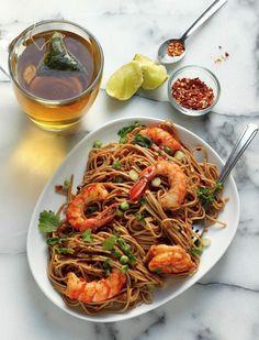 Super Simple Garlic and Ginger Shrimp Soba Noodles . (dear soba-i L. Fish Recipes, Seafood Recipes, Asian Recipes, Cooking Recipes, Healthy Recipes, Ethnic Recipes, Meal Recipes, Vegetarian Recipes, Dinner Recipes