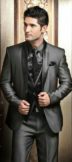 New Design Shawl Lapel Charcoal Gray Groom Tuxedos Men s Wedding Dress  Party Tuxedos Prom Slim Fit Suits(Jacket+pants+tie+Vest) 1f5a7f5fe879