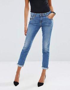 ASOS Kimmi Shrunken Boyfriend Jeans in Jo Jo Pretty Mid Blue