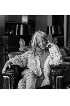Iris von Arnim, 68yrs old wearing leopard leggings.... That is how I want to be at that age...