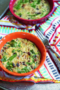 """This Individual Crustless Quiche recipe from @benniferobins in her book 'Paleo Cooking with Your Instant Pot' looks amazing! AND ... """"make them ahead of time for the week and grab one in the morning, no labor required,"""" says Jennifer. """"To reheat, just toss one in your toaster oven for a cycle and a good solid breakfast is ready in minutes."""""""