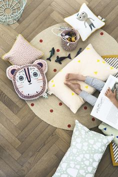 coussins et tapis Ferm Living // cushions // pillows // home decor // home styling Baby Kind, Baby Love, Softies, Billy Bear, Casa Kids, Deco Kids, Deco Design, Child Room, Kid Spaces
