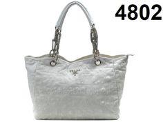 share a online store sell cheap designer handbags ,very nice....