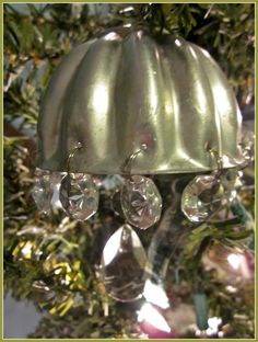 Under The Table and Dreaming: Repurposed Vintage Jello Mold Ornament featuring Susan from Homeroad {Handmade Ornament No.16}