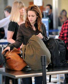 Kristen Stewart, Snow White Pictures, Twilight, Beautiful Women, Hollywood, Glamour, Actresses, Celebrities, Lynx
