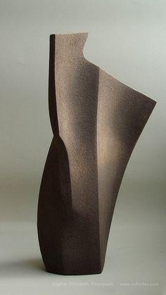 ceramic sculpture, barcelona, british artist barcelona, stoneware, black and white, london ceramic sculpture