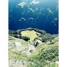Vue sur le chalet du Boret - cirque de Sixt Fer à Cheval- route vers le refuge de la Vogeale- Alpes de Haute Savoie crédit- CDessaux
