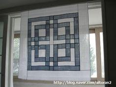 전체크기 95 x 95 모시 쌈솔 문살문양을 염두에 두고 디자인 한건데 만들고 나니 조금은 허전합니다. 그래...