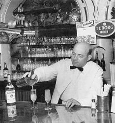 Whatll ya have? Pete Scaglione tending bar at the Columbia Restaurant in Tampa, FL Bartender Uniform, Hey Bartender, Vintage Florida, Old Florida, Modelo Beer, Columbia Restaurant, Speakeasy Bar, Dinner Club, Italy