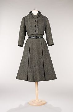 """Virevolte"" Design House: House of Dior (French, founded 1947) Designer: Christian Dior (French, Granville 1905–1957 Montecatini) Date: fall/winter 1955 Culture: French Medium: wool"