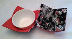 Microwave Bowl Cozy Pot Holder Hot Pad Kitchen Textiles Linens Red Black by CaliSistersCreate on Etsy