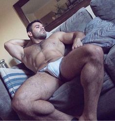 Submit your own bulge pic by email @ packagereport@gmail.com or on kik @ upthemanhole