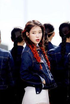 ─ ·  ๋❊ ᵖᶦᶰᵗᵉʳᵉˢᵗ ◜ʰʸᵉˢᵒᵘᵖ◞ Korean Girl, Asian Girl, Iu Hair, Fandom Kpop, Iu Fashion, Denim Outfit, Korean Actresses, Korean Actors, K Idols