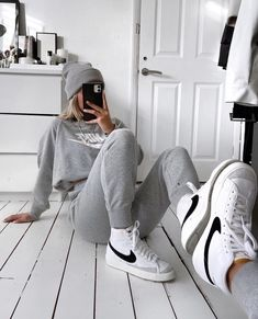 Nike Blazers Outfit, Blazer Outfits, Nike Outfits, Casual Outfits, Fashion Outfits, Fashion Hacks, Nike High Tops, Hype Shoes, Fresh Shoes