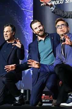 Mark Ruffalo, Chris Evans and Robert Downey Jr pose for a photo session during a press conference to promote Marvel's 'Avengers: Age Of Ultron' in Seoul on April Marvel 3, Marvel Photo, Marvel Actors, Marvel Characters, Marvel Heroes, The Avengers, Avengers Humor, Marvel Jokes, Marvel Funny