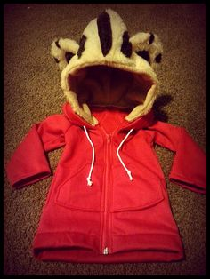 Penny wants to be Daniel Tiger. Do you think you guys could make a hoodie like this? Maybe with some tiger stripe pants with a tail? Daniel Tiger Costume, Daniel Tiger Party, Daniel Tiger Birthday, Tiger Halloween Costume, Halloween Costumes For Kids, Halloween Party, Halloween Goodies, Halloween 2017, Tiger Hoodie