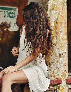 Elegant Women Style With Long Wavy Hair 30 Messy Hairstyles, Pretty Hairstyles, Long Wavy Haircuts, Curly Hair Styles, Natural Hair Styles, Natural Waves Hair, Beachy Hair, Dream Hair, Hair Day