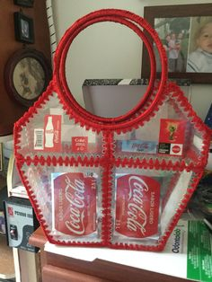 Recycled Bottles, Recycled Crafts, Diy Sewing Projects, Cool Diy Projects, Plastik Recycling, Bottle Top Art, Card Basket, Basic Embroidery Stitches, Plastic Bottle Crafts