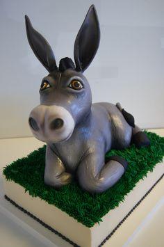 3D animal cakes are so much fun! #donkey #shrek