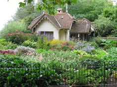 Gardener's cottage in St. James Park